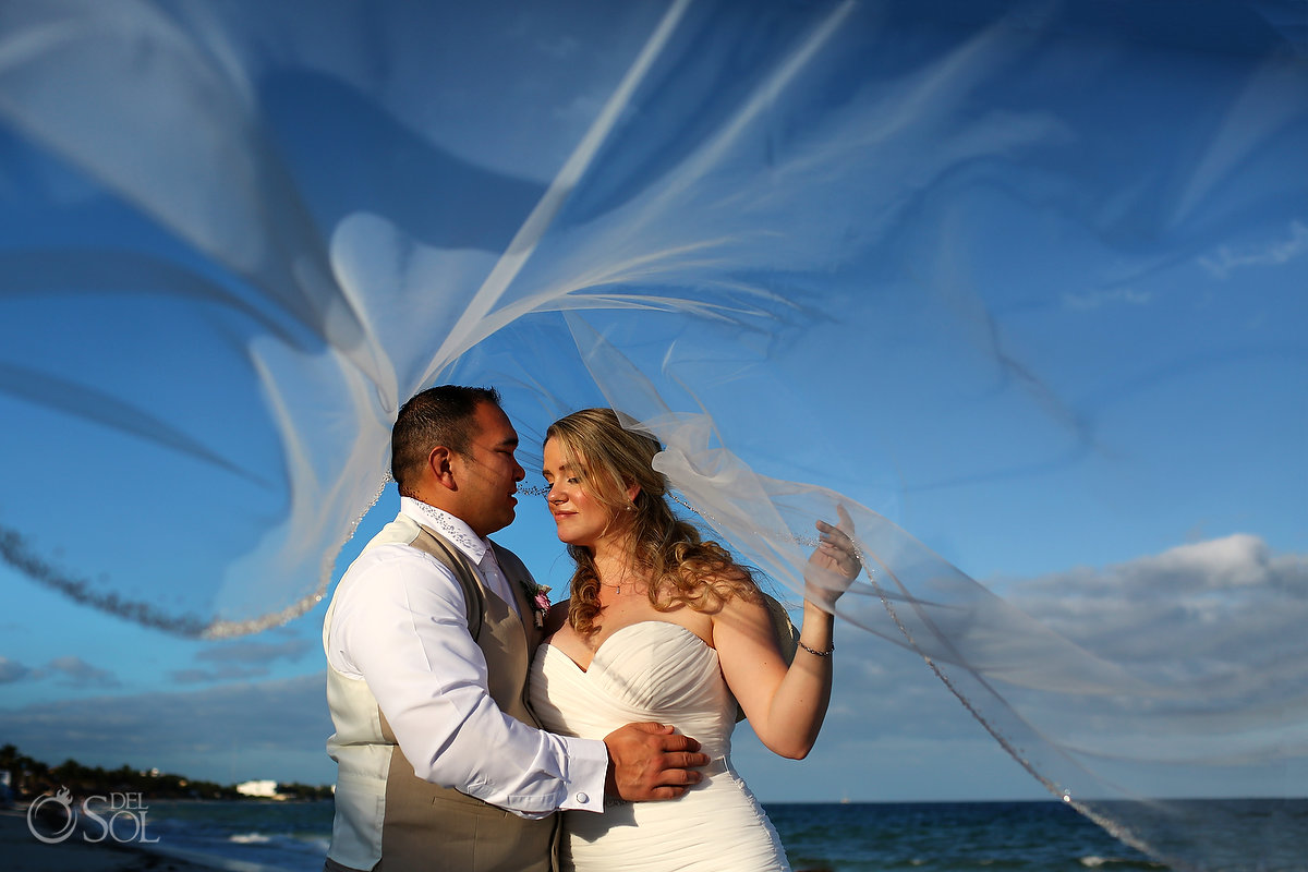 why to wear a long wedding veil amazing photographs Now Sapphire Riviera Cancun