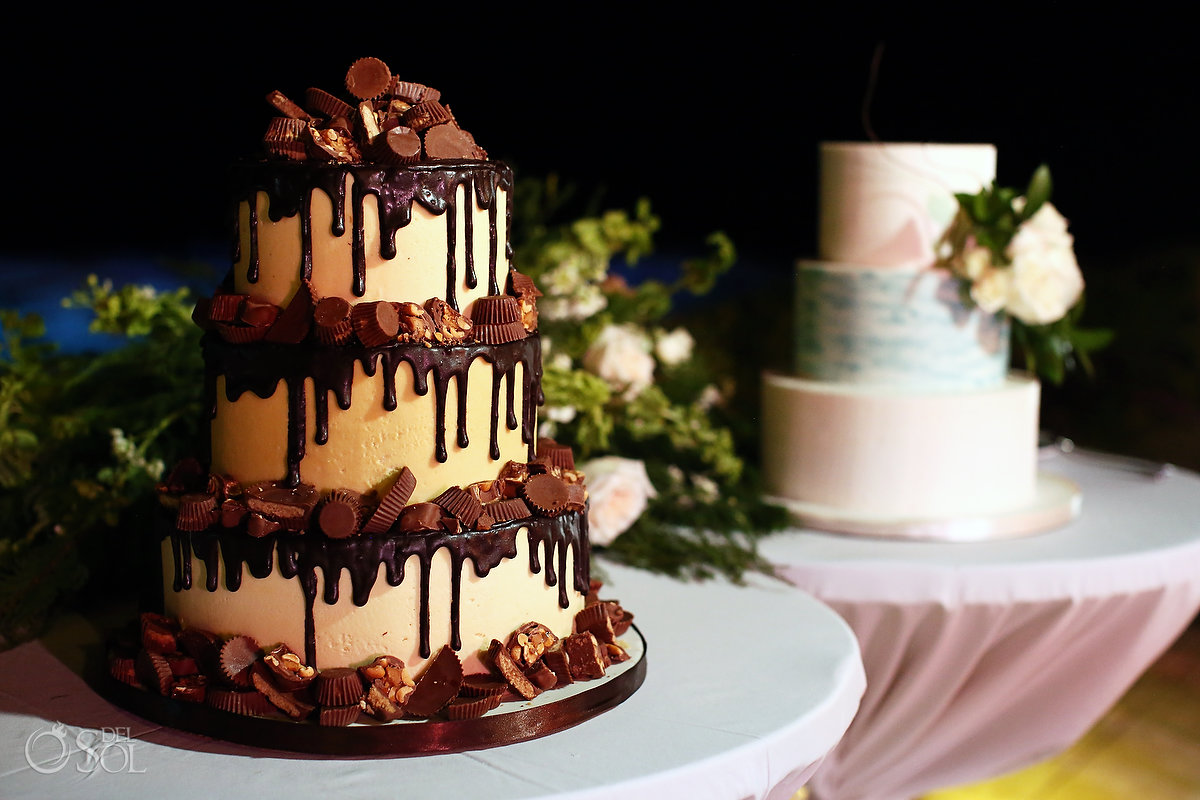 Groom wedding cake Reeses chocolate by Lluvia de Azucar