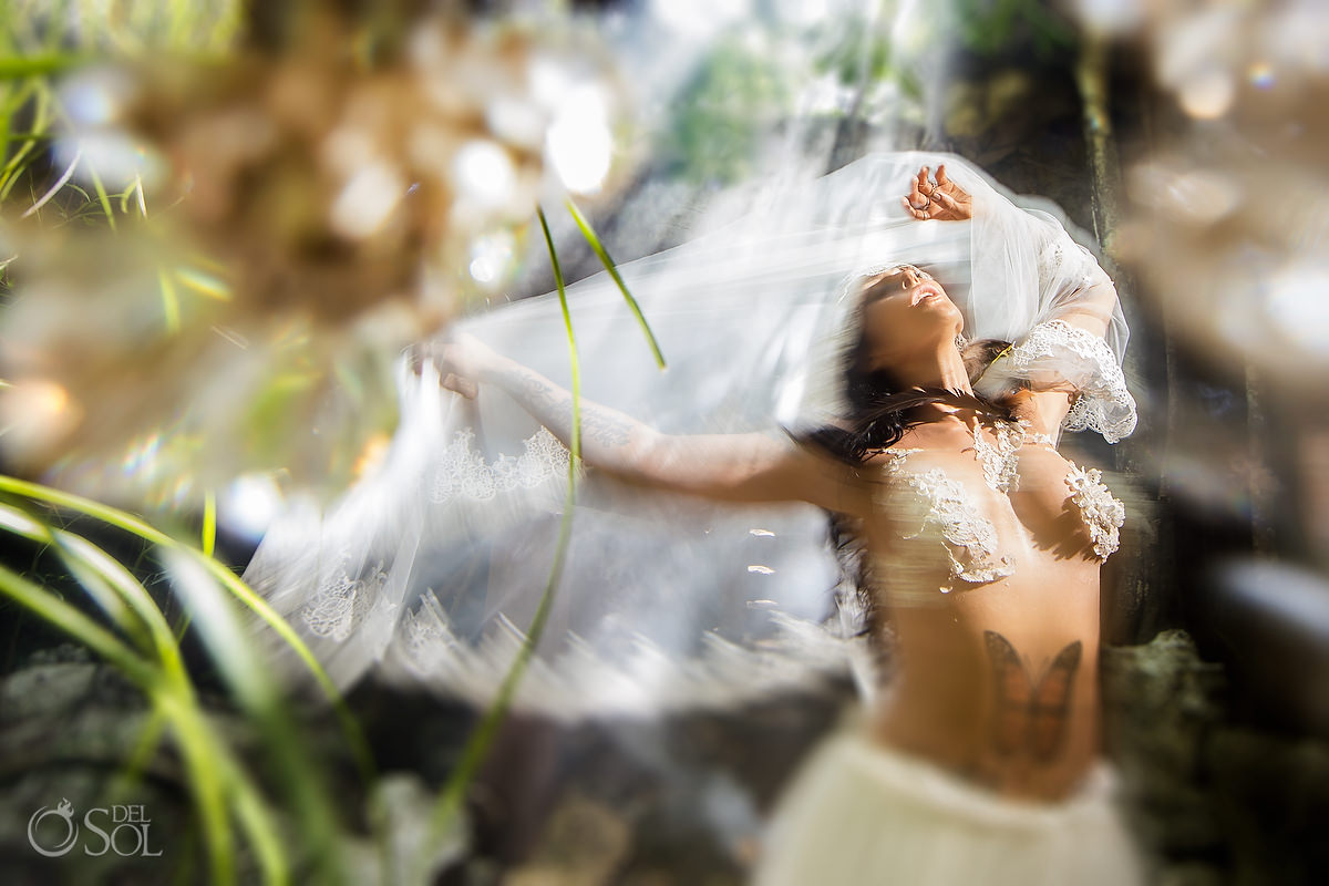 Motion and emotion, artistic bridal portraits by mexican Photographer Sol Tamargo