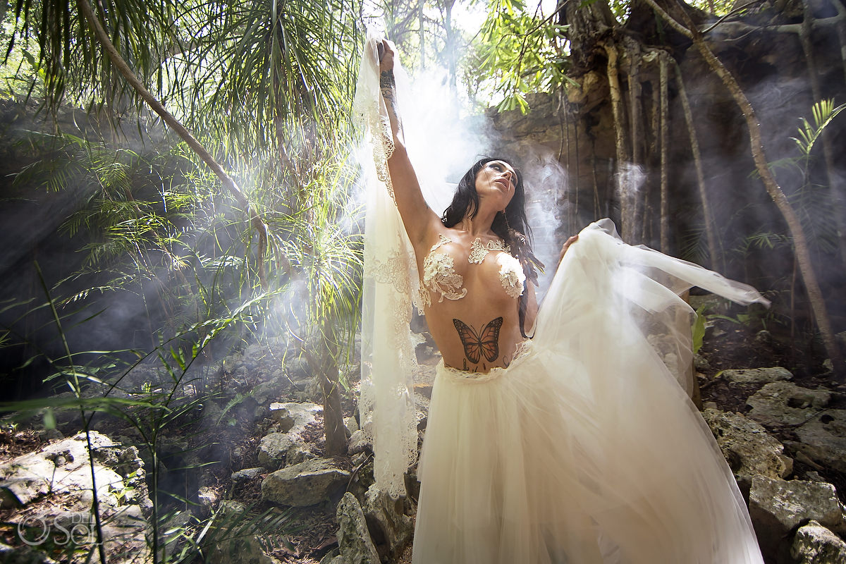 Conceptual bridal shoot testing the canon R6 mirrorless camera for Canon mexicana