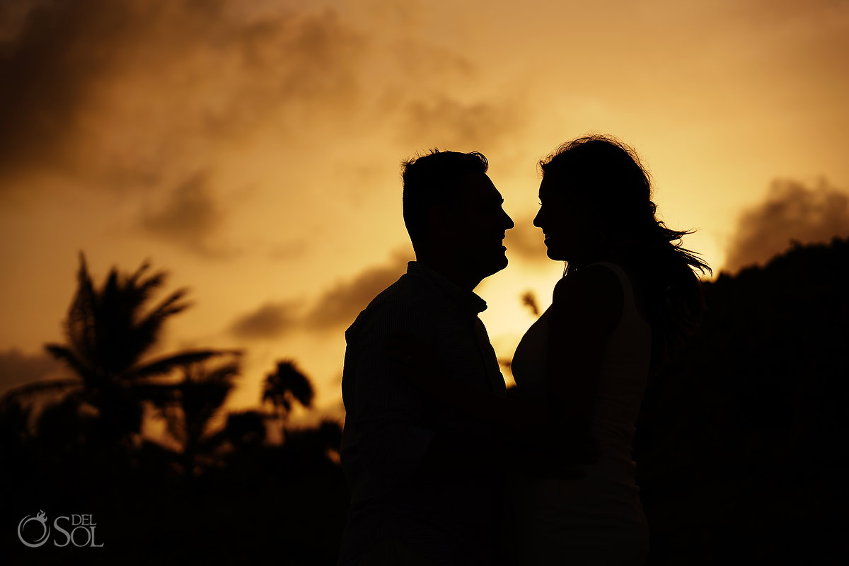 How to propose in Mexico sunset silhouette